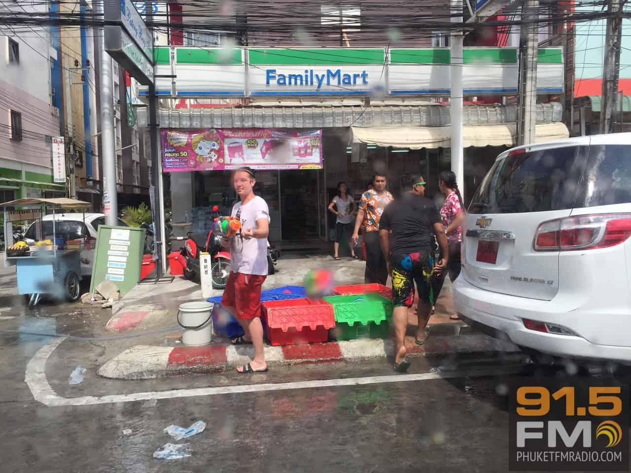 Phuket Songkran 2015-77.JPG