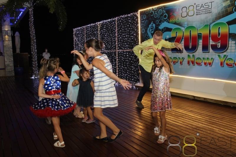 A Tropical New Year Phuket FM Radio at East 88 Restaurant & Beach Lounge NYE 2018-19  074
