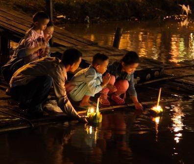 Loy Krathong 2017 - A Thailand Event