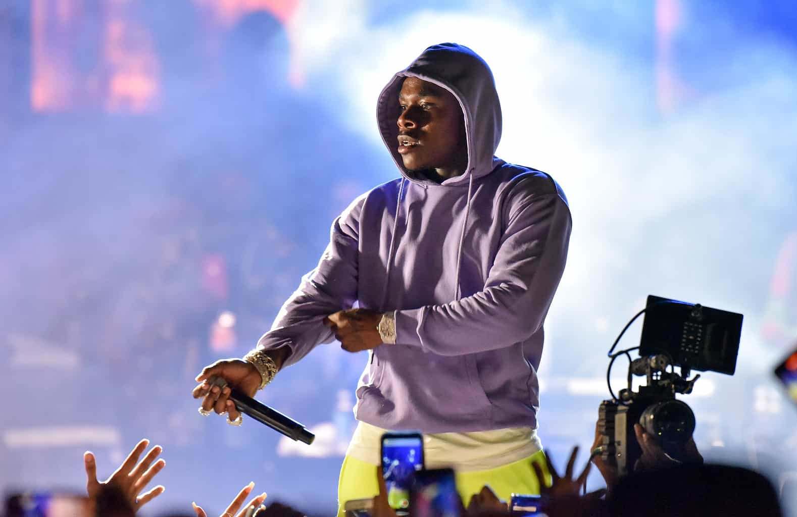dababy issues apology after video surfaces of rapper striking woman